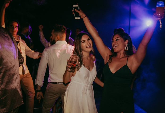 Girls dancing, 40th Birthday, DJ